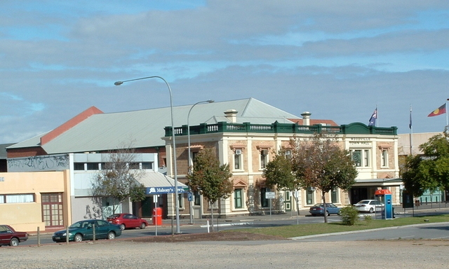 The Woodville Town Hall (Star Theatre)