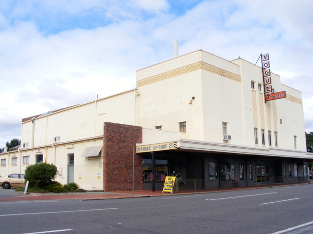 Vogue Theatre, Kingswood.