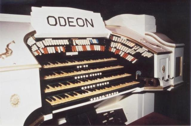 The Odeon Compton organ