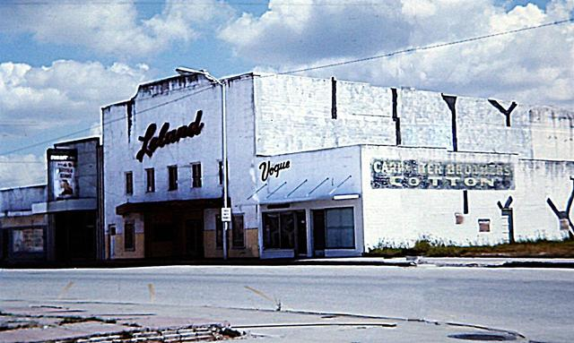 Leland Theater - Taft, TX 2