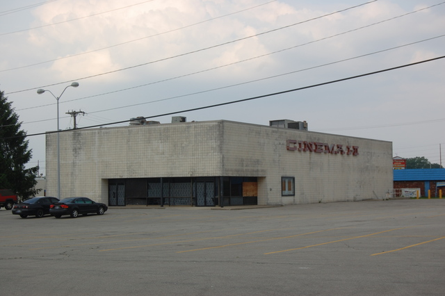 Mounds Mall Cinema