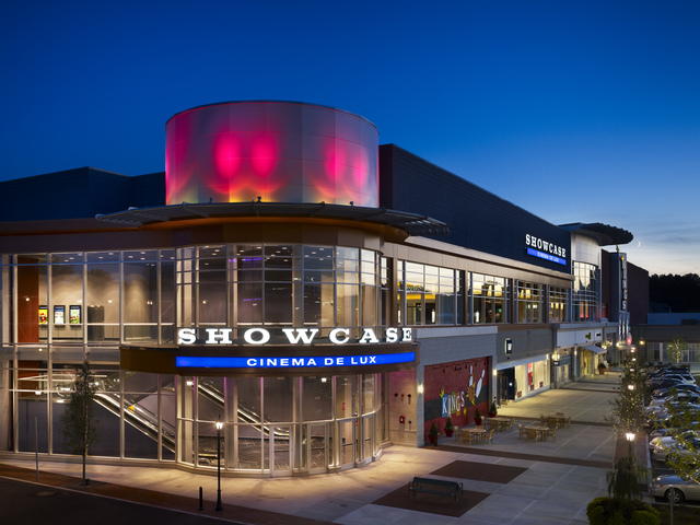 showcase cinema de lux legacy place in dedham ma cinema