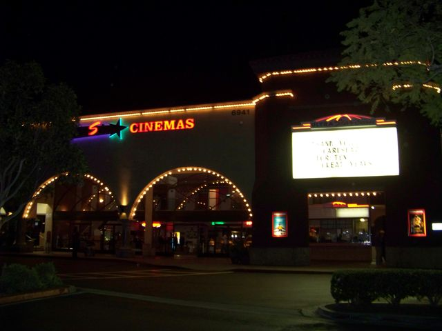 Cinepolis Luxury Cinemas - La Costa