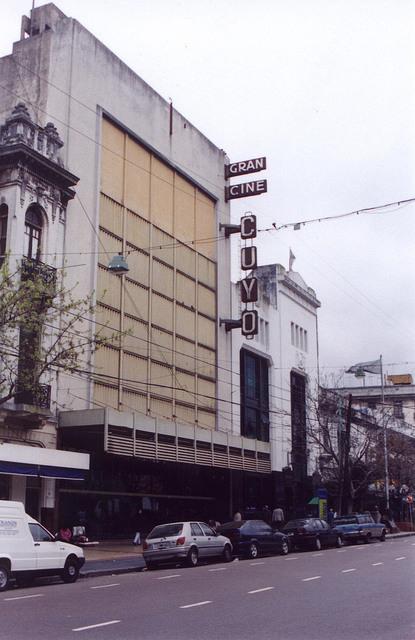 Cine Cuyo