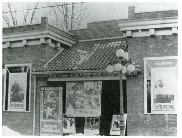 Irving Theater (c.1915)