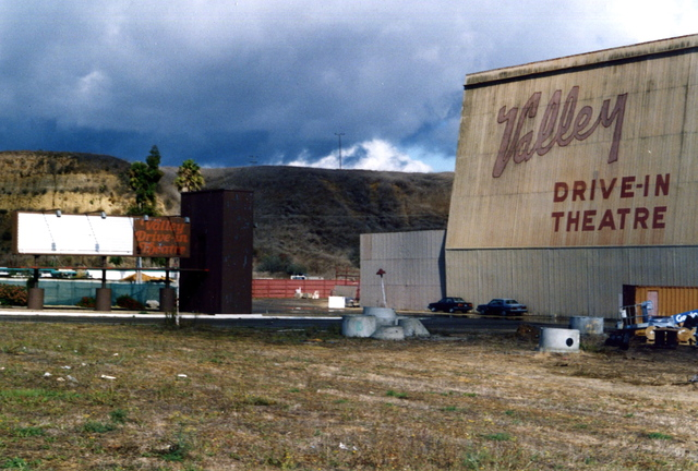 VALLEY DRIVE IN THEATRE