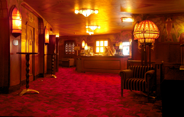 Tuschinksi Theater, Hallway 1st floor, bar
