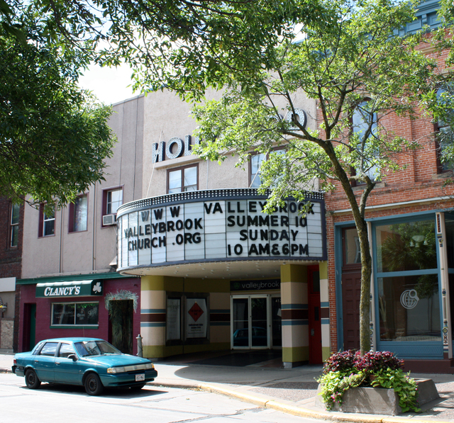 Hollywood Theatre, Eau Claire, WI