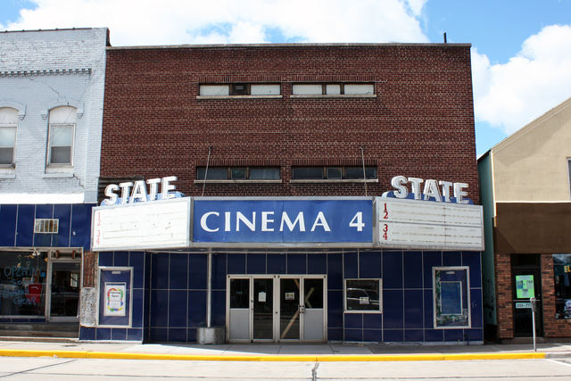 Menomonie wisconsin movie theatre