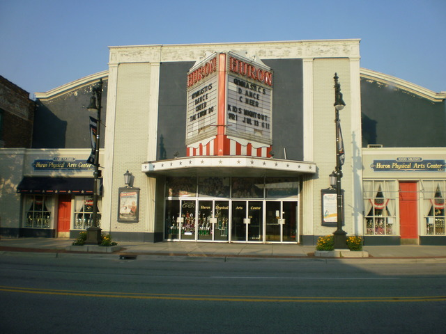 Former Desmond/Huron Theatre in Port Huron, MI