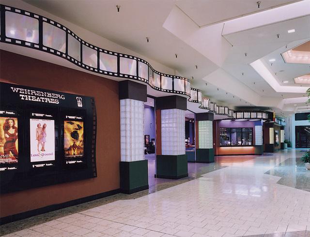 Wehrenberg Jamestown 14 Cine' - (1998)
