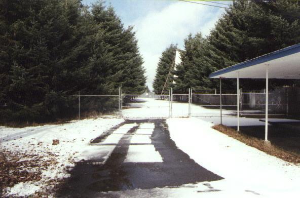 Employee gate