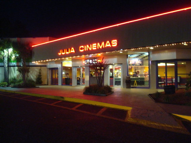 Julia 4 Cinemas