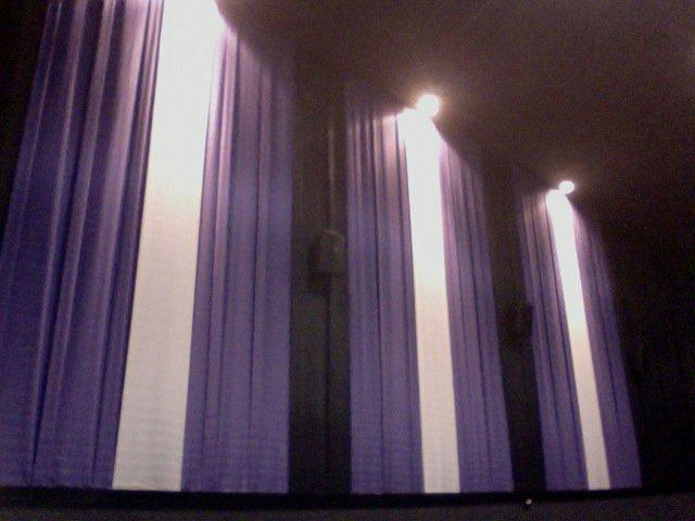 Julia 4 Cinemas
