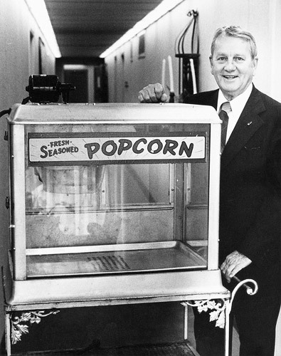 Kemmons Wilson and that Popcorn Machine AT THE MEMPHIAN