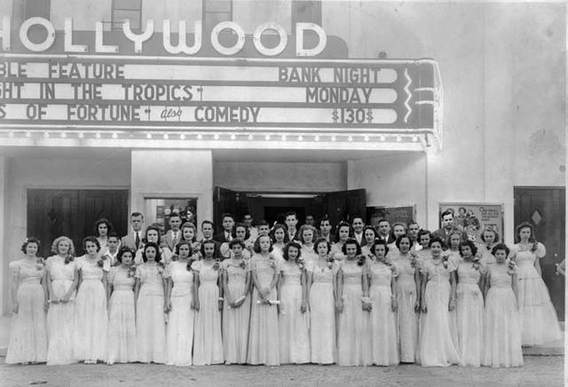 Hollywood Theatre - Memphis .  Courtesy historic-memphis.com