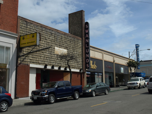 Front of the Rialto