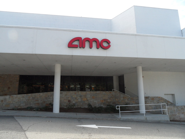 AMC Chestnut Hill 5