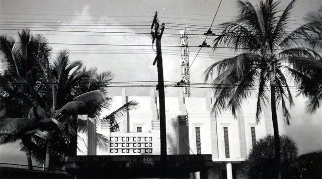 WAIKIKI Theatre.