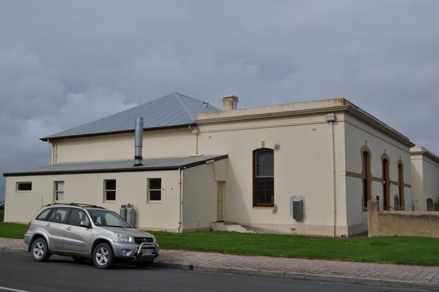 Robe Institute