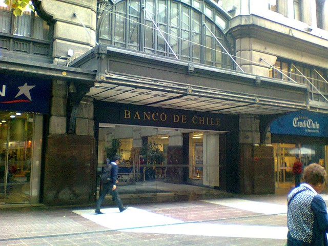 Cine Central, now is a Bank, the Banco de Chile