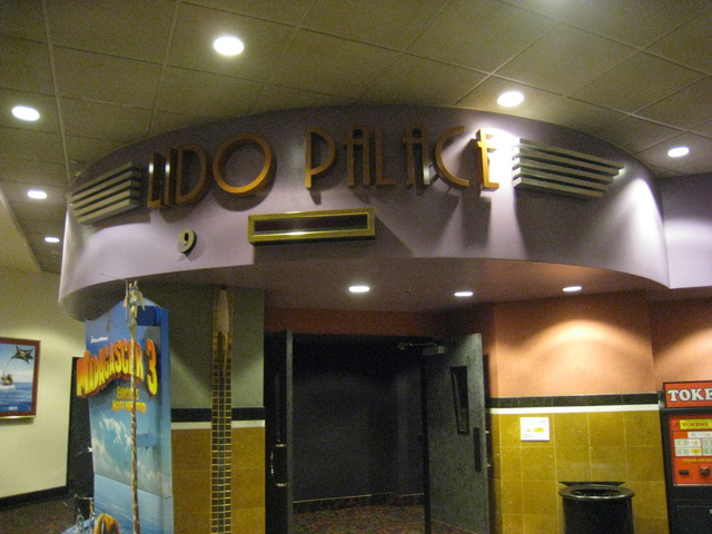 "Auditorium 9 ""Lido Palace"""