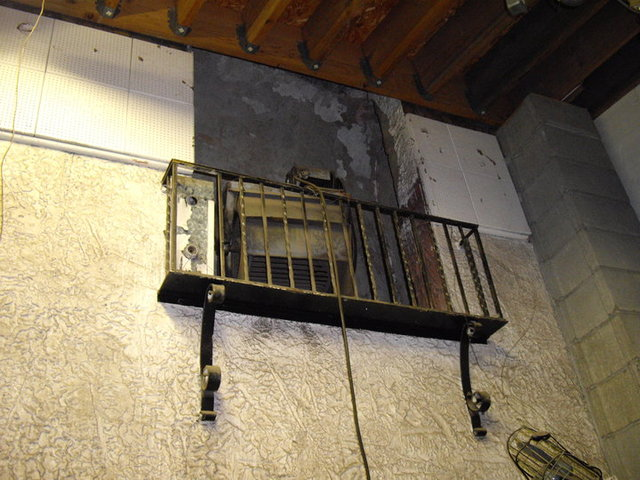Remains of a false balcony in the auditorium