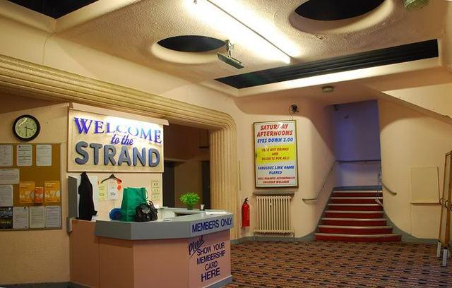 Strand foyer