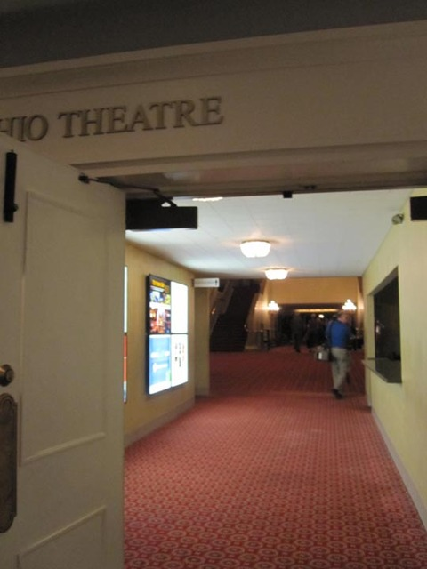 Ohio Theatre (Cleveland) - passage to grand lobby