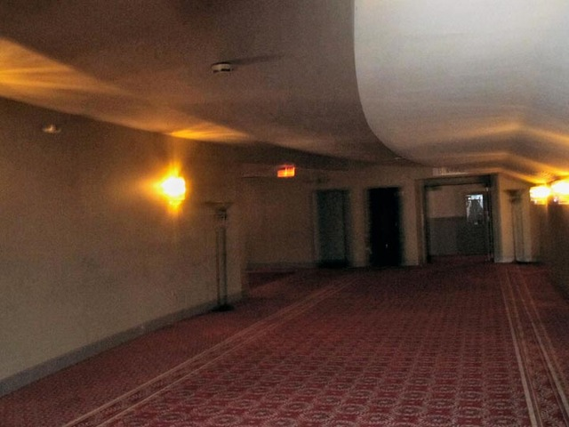 Ohio Theatre (Cleveland) - Foyer in back of auditorium