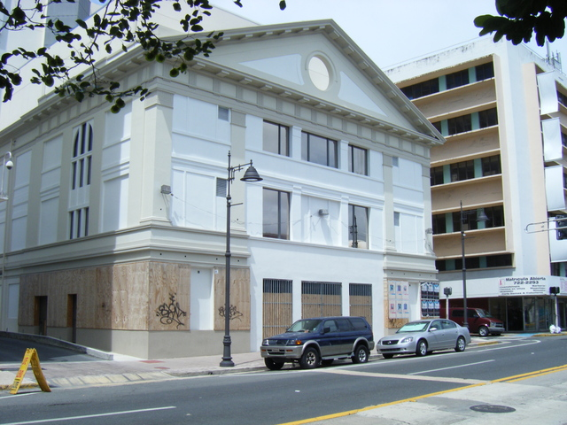 Teatro Paramount completing Renovation