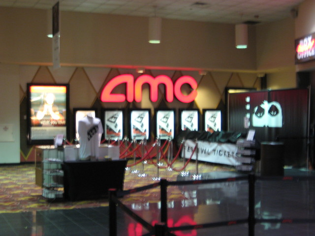 AMC River East 21