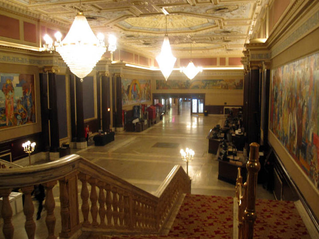 State Theatre (Cleveland) - Grand Lobby from top of stairs