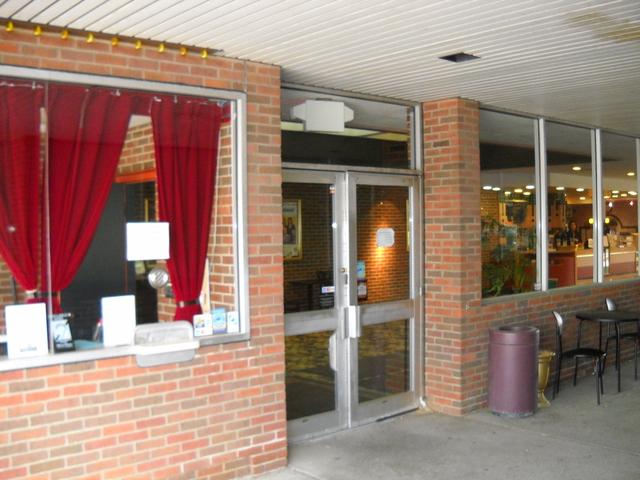 Maple Theater