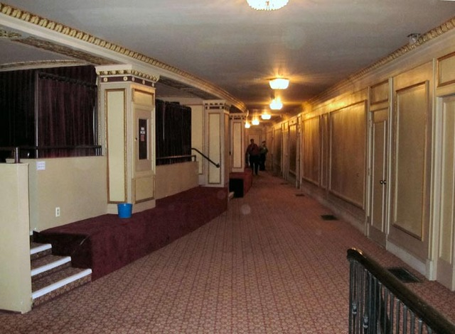 Palace Theatre (Cleveland) - Passage at rear of balcony