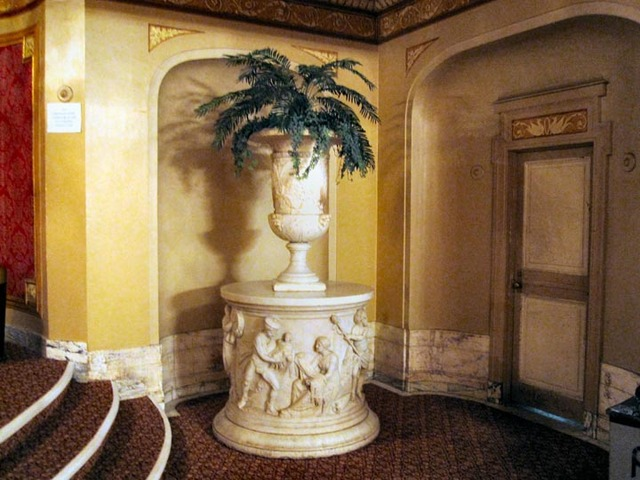 Palace Theatre (Cleveland) - Decorative Urn in balcony foyer