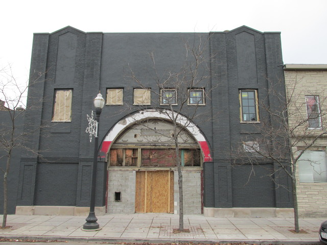 HOLLYWOOD (nee BUTTERFLY) Theatre, Kenosha WI in December 1912