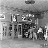 LIFE Magazine essay on the KENOSHA Theatre, May 1938 (Bernard Hoffmann photo).