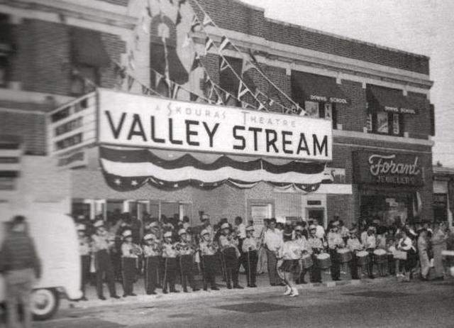 The Valley Stream, probably in the early to mid-60s, when it was part of the Skouras chain.
