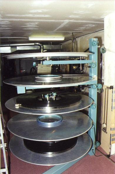 AW35 platter