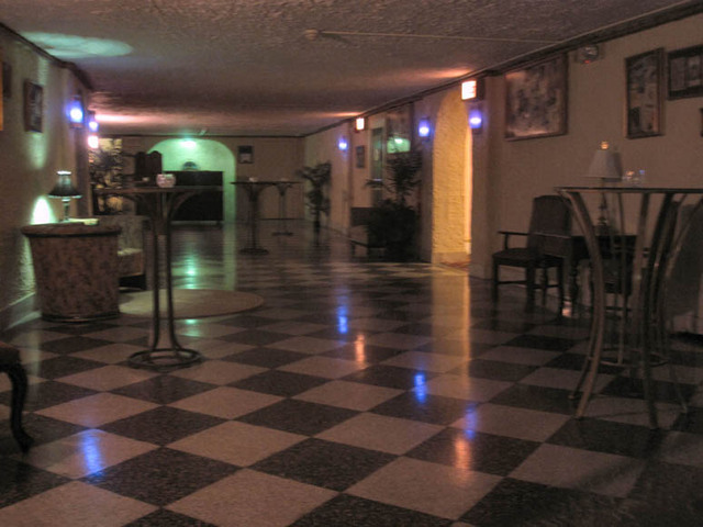 Renaissance Theatre (Mansfield, OH) - Basement crosshall