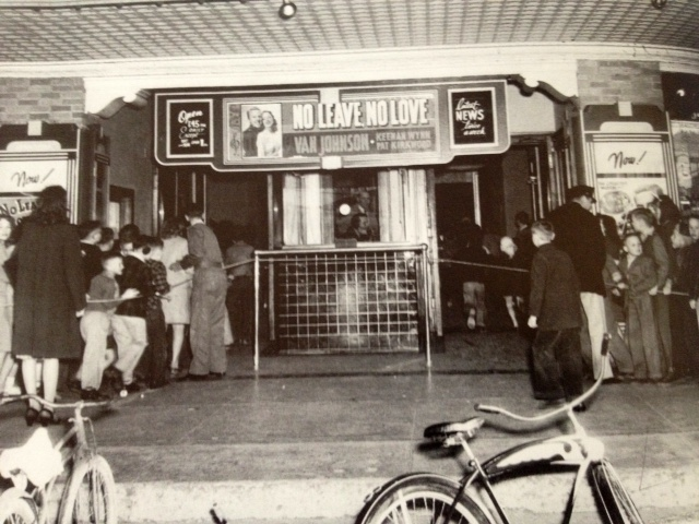 Front entrance to the La Nora Theater