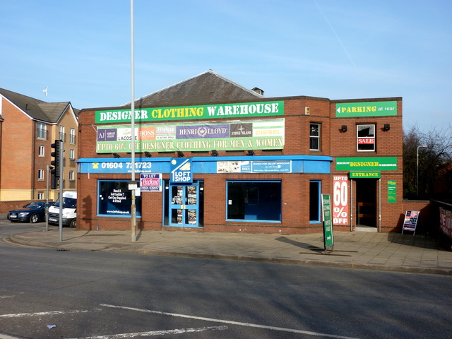 The Coliseum today, 18.02.2013, the lower retail unit is currently 'To Let'