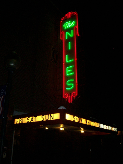 Niles Theater