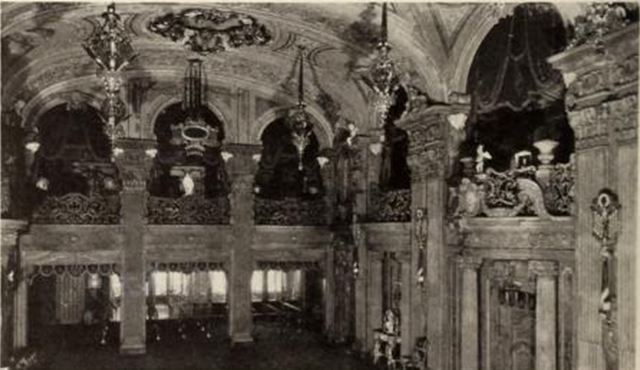 End and sidewall of foyer of Loew's Paradise Theatre, New York in 1930