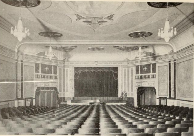 Auditorium of the Major Theatre, New York in 1928