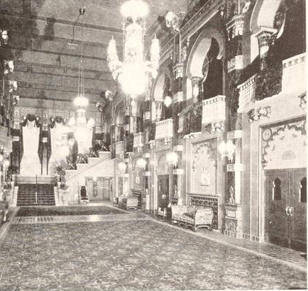 Oriental Theatre, Milwaukee, WI in 1927 - Grand Foyer