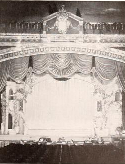 Fortway Theatre, Brooklyn, NY in 1927 - Stage