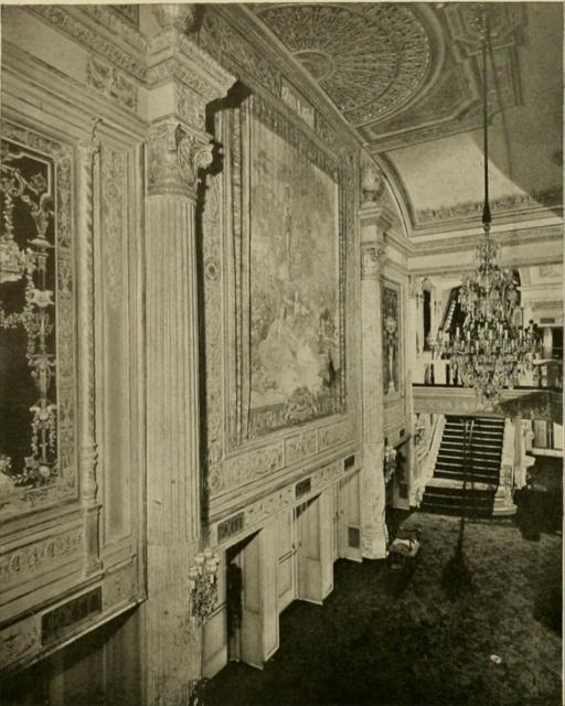 Earle Theatre, Philadelphia, PA in 1928 - Mezzanine Well