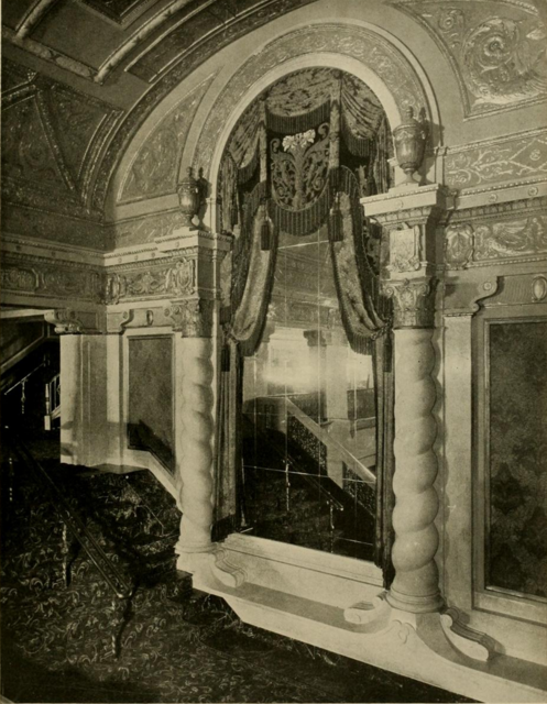 Stanley Theatre, Pittsburgh, PA in 1928 - Foyer detail
